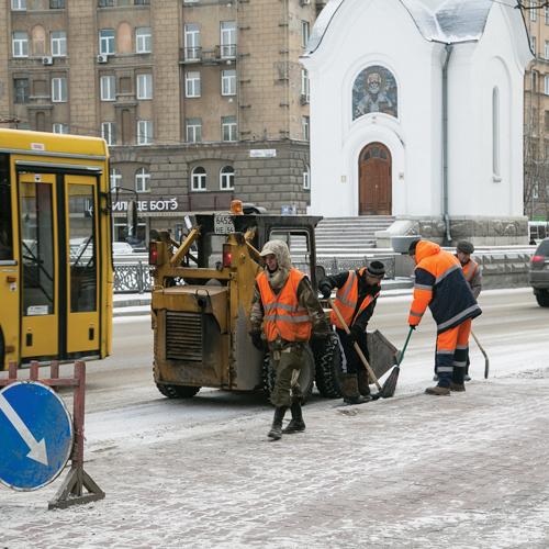 Песка и реагентов от гололёда на дорогах НСО запасено на четыре месяца.