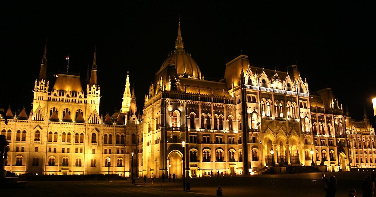 ТОП-15 самых красивых парламентов мира