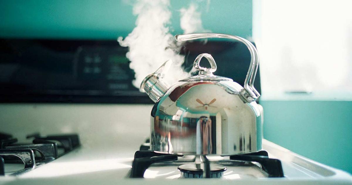 картинки чайника с кипятком день рождения