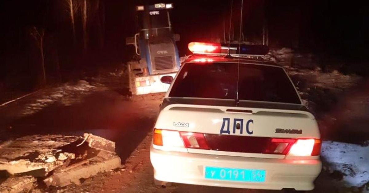 Сотрудники ДПС устроили погоню за пьяным угонщиком трактора в Новосибирской области