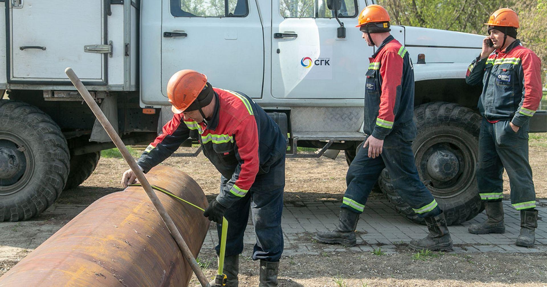 В Новосибирске из-за аварийного ремонта теплотрассы сузят и перекроют несколько улиц