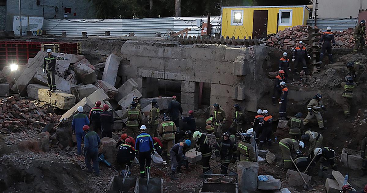 Имена погибших, показания свидетелей и задержание виновных: итоги вчерашнего ЧП с обрушением стены в Новосибирске