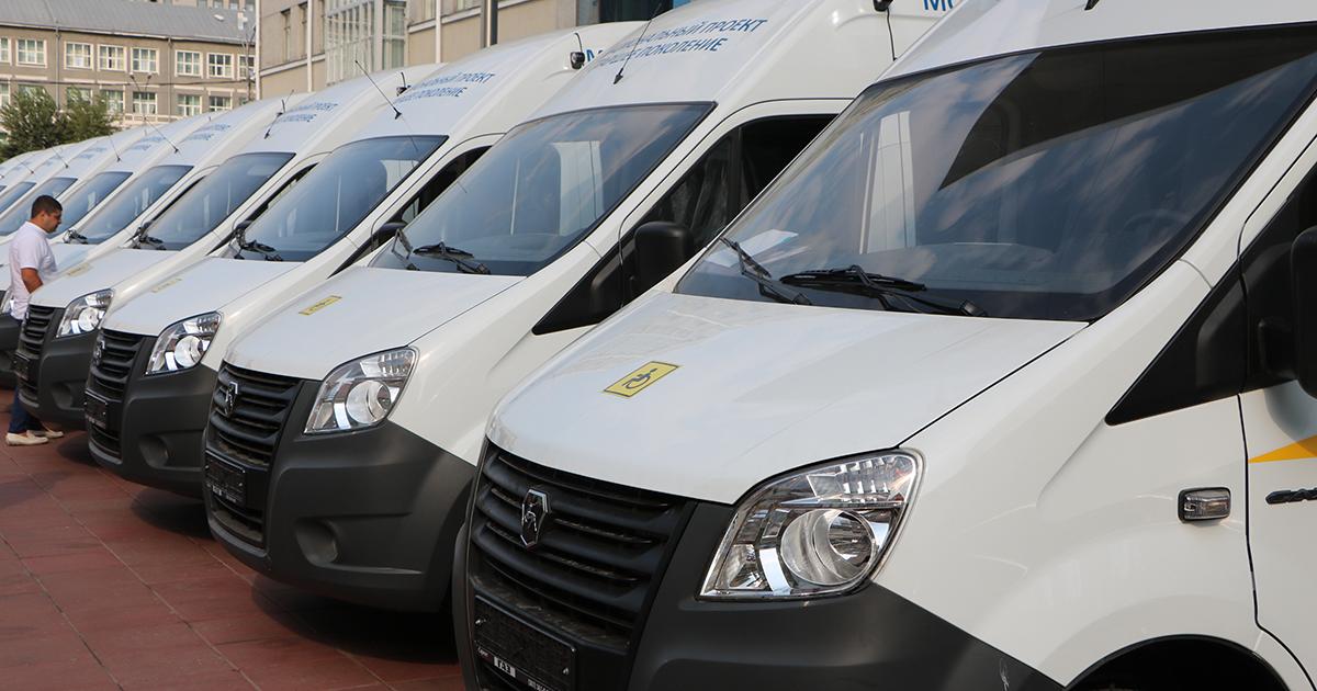 Мобильные бригады для доставки пожилых селян в медучреждения работают в Новосибирской области