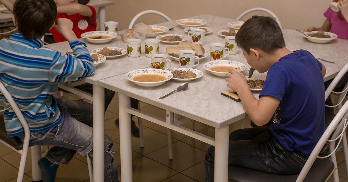 Прокуратура проверит качество питания голодающих воспитанников реабилитационного центра НСО