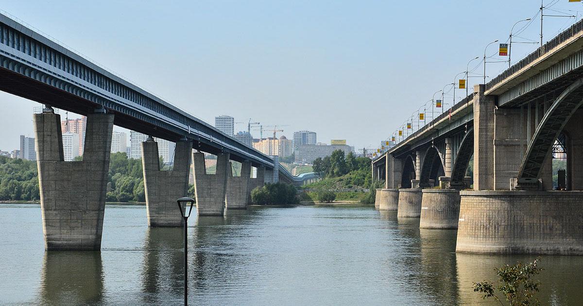 Мосты, церкви и Большой камень