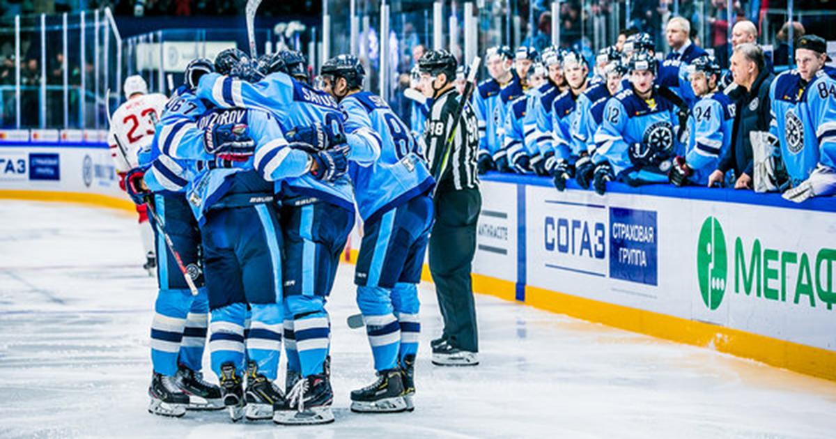 Хоккейная «Сибирь» одержала уверенную победу над «Витязем»