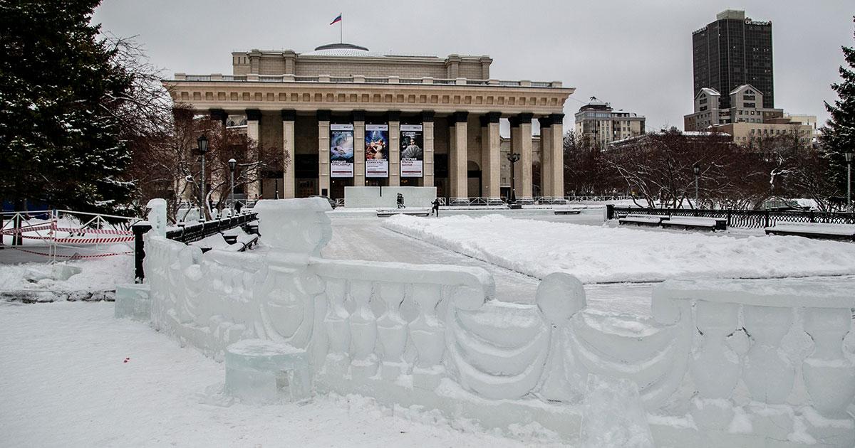 Власти перенесли дату открытия главного снежного городка Новосибирска