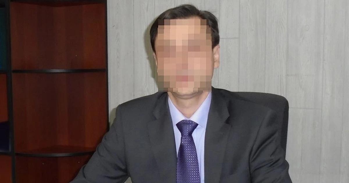 Директора новосибирской школы подозревают в распространении детской порнографии
