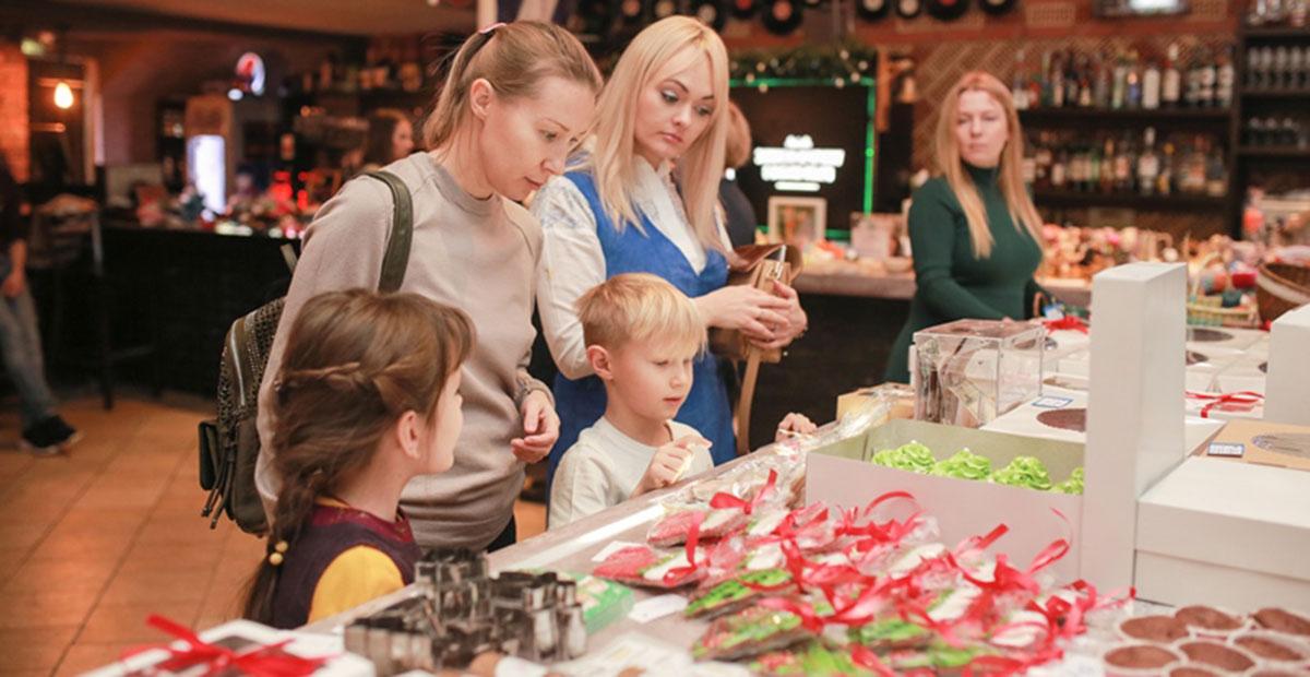116 000 рублей собрали новосибирцы на рождественской ярмарке для детей, больных раком