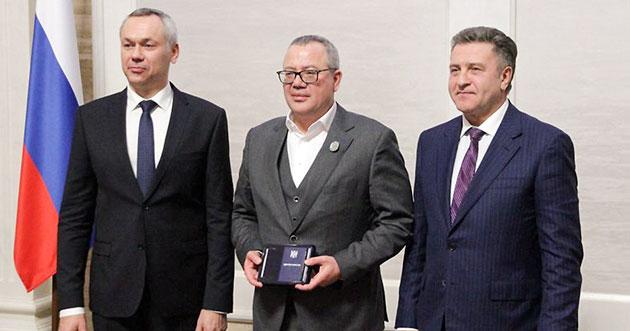 Депутаты заксобрания удостоены госнаград