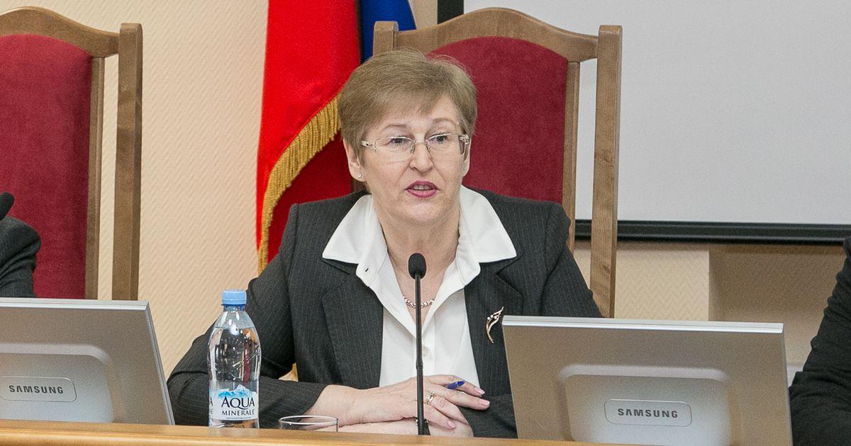 Главный арбитражный судья Новосибирской области ушла в отставку