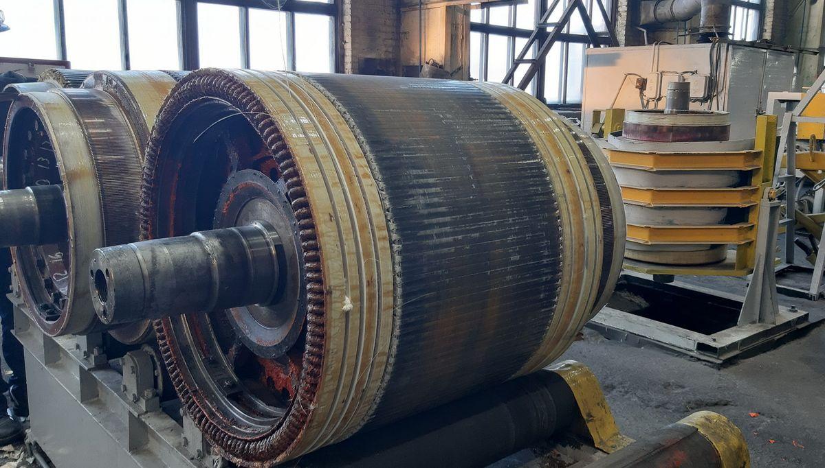 Рабочий портил двигатели поездов, чтобы больше получать за их ремонт