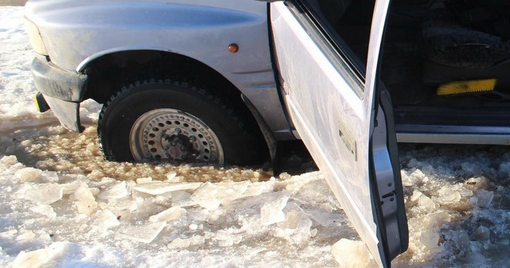 МЧС предупреждает: выезд на лёд в Новосибирской области остаётся опасным