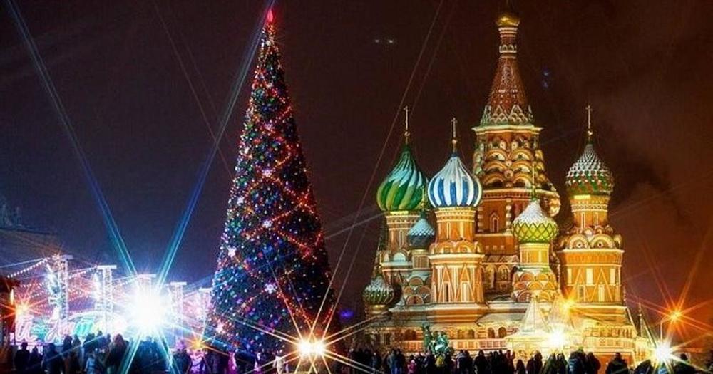 Дети из Новосибирской области отправились в Москву на Кремлёвскую ёлку