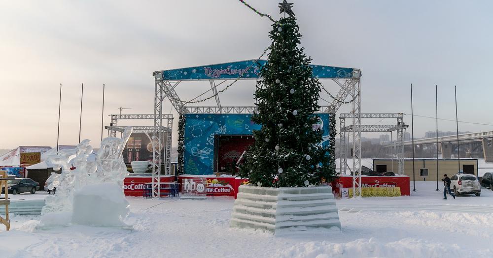 Завтра откроется новогодний городок на Михайловской набережной Новосибирска