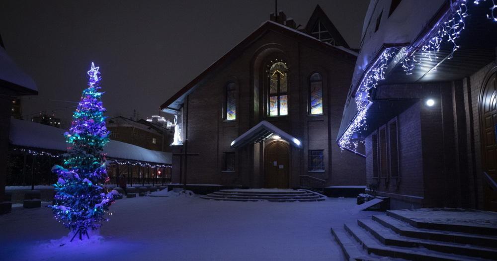 Католики Новосибирска отмечают Рождество