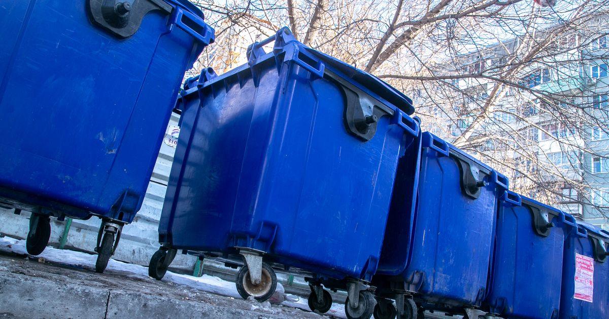 В Новосибирске идёт замена мусорных контейнеров