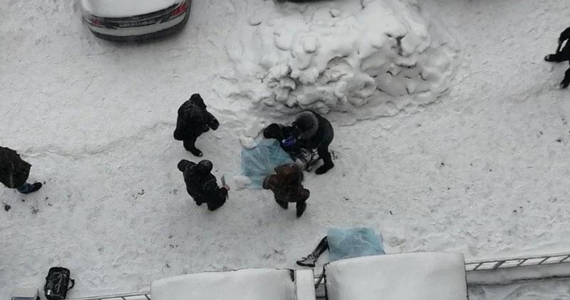 Тела двух девочек нашли возле новостройки в Новосибирске