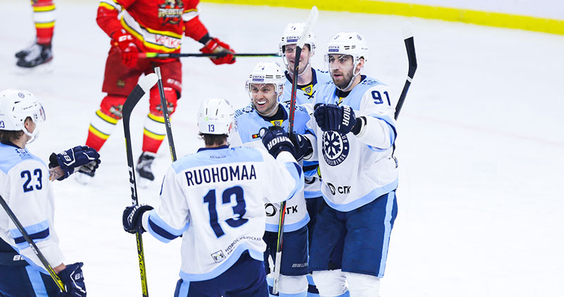 Хоккейная «Сибирь» снова обыграла «Куньлунь»