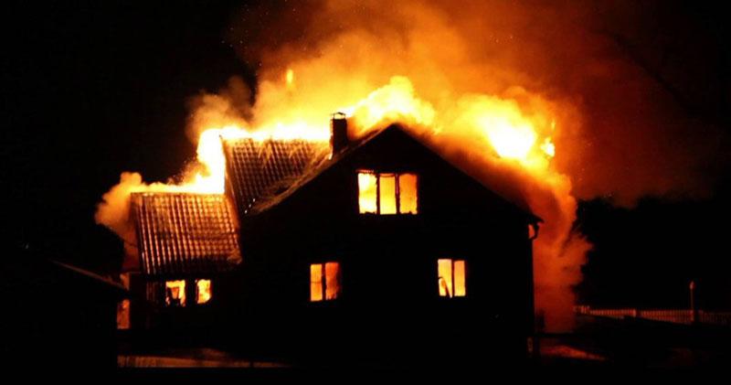 Шестилетняя девочка погибла в пожаре в Новосибирской области