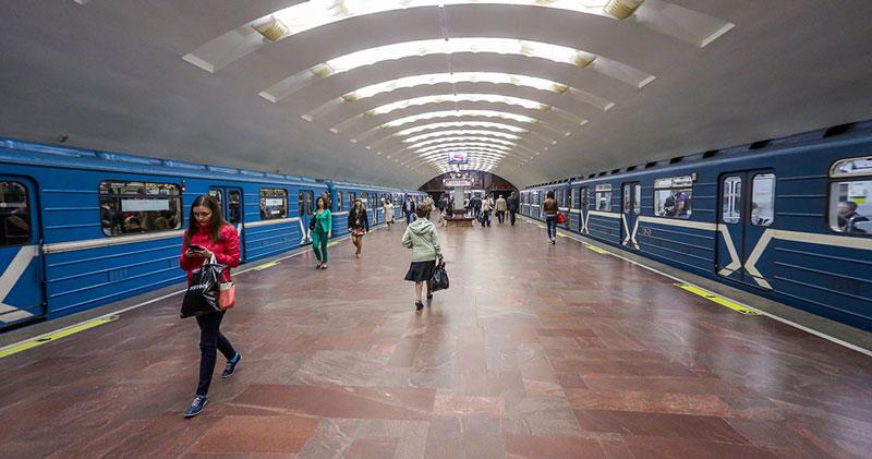 Всё больше новосибирцев пересаживаются на метро