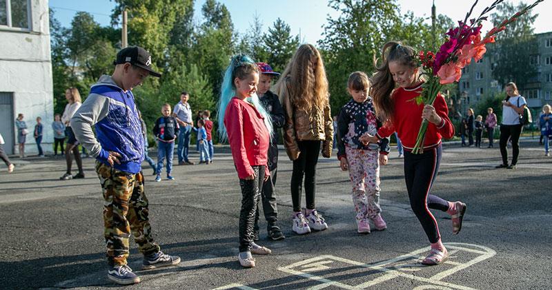Первые итоги кампании по записи детей в 1-й  класс подвели в Новосибирской области