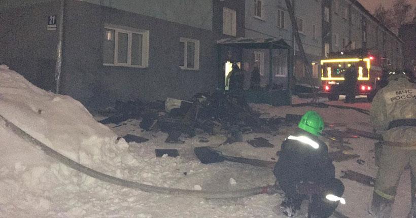 Два жилых дома горели ночью в Новосибирской области