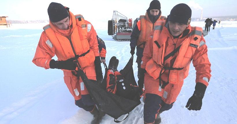 Подросток застрял во льду под Новосибирском