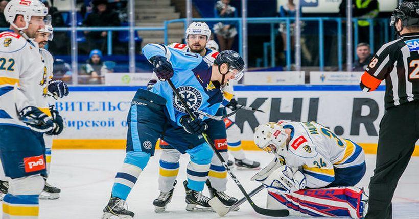 Хоккейная «Сибирь» проиграла очередной матч, но вышла в плей-офф КХЛ