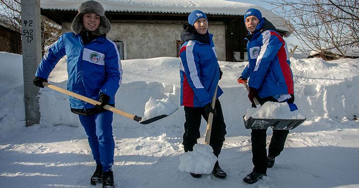 «Согревают души»: бойцы «Снежного десанта» помогли жителям 150 населённых пунктов НСО
