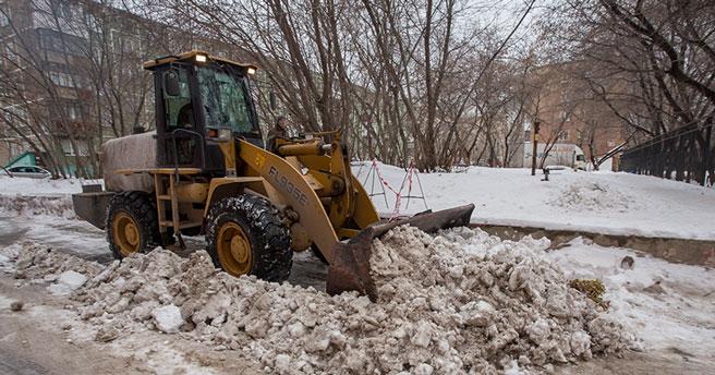 С каких улиц сегодня убирают снег в Новосибирске