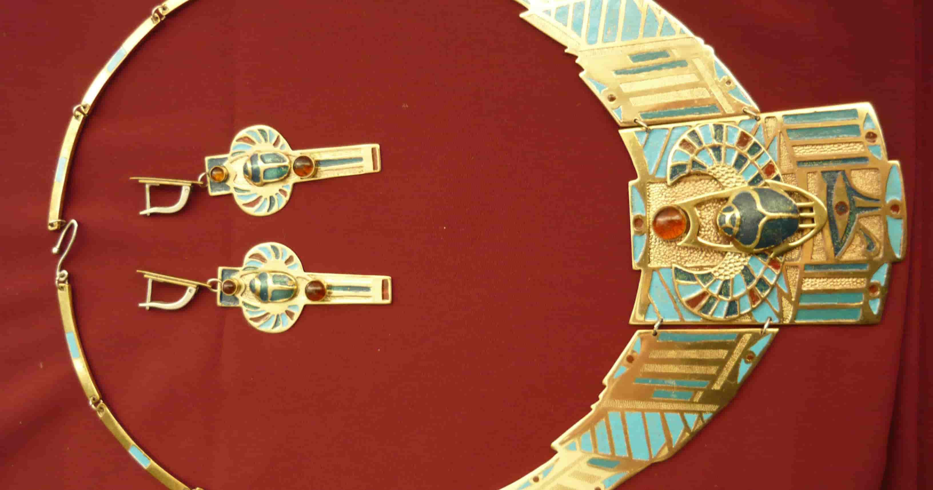 Произведения студентов — дизайнеров ювелирных изделий представит Художественный музей
