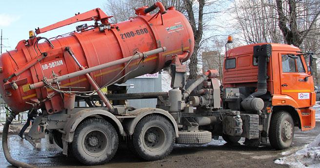 Управляющая компания в пять раз завысила тариф на вывоз ЖБО в Новосибирске