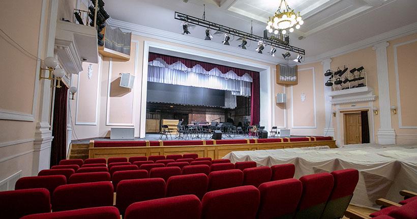 ЧП произошло в новосибирской филармонии