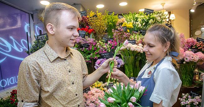 Цветы к 8 Марта подорожают в Новосибирске