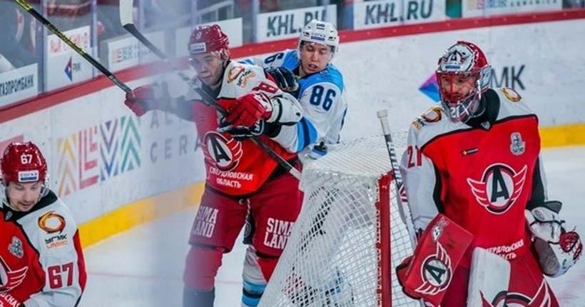 Хоккейная «Сибирь» уверенно идёт в финал