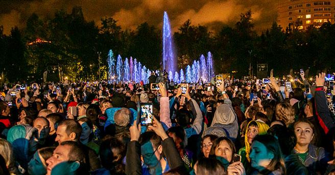 Стали известны песни, которые будет исполнять фонтан в Центральном парке ко Дню Победы
