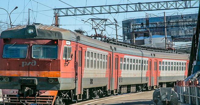 В Новосибирске мужчина попал под поезд