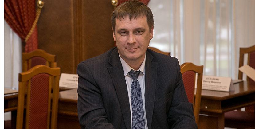 Министр образования Новосибирской области призвал родителей контролировать досуг детей