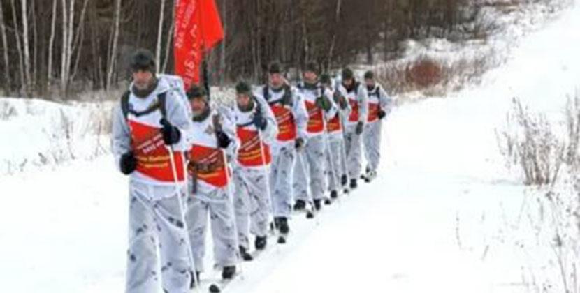 Бойцы, совершающие уникальный переход из Хабаровска в Москву, сделали остановку в Новосибирске