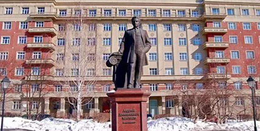 Новосибирский краевед высказался против «Площади Свердлова»