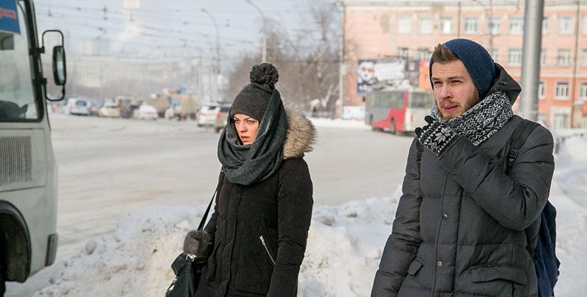 В мэрии Новосибирска призвали отказаться от рукопожатий