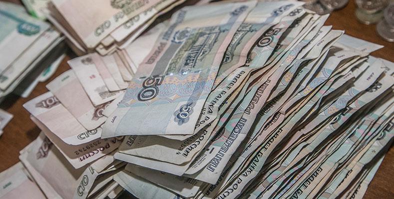 В Новосибирске друг крал у друга: он вынес из квартиры сотни тысяч рублей