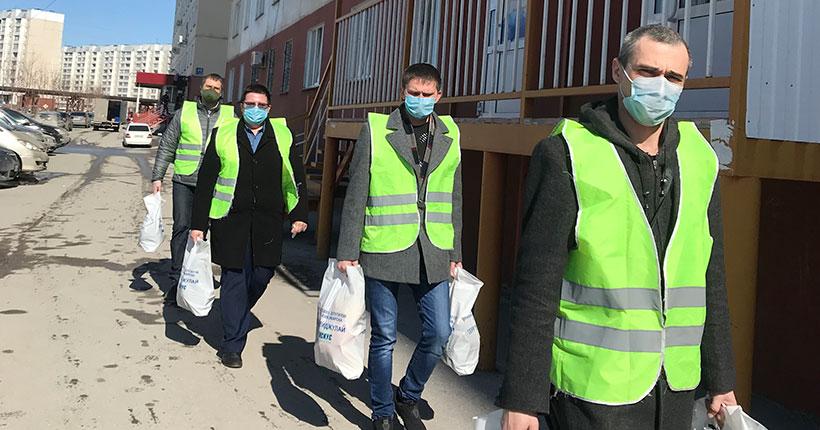 Волонтёры Плющихинского жилмассива Новосибирска совершают в день по 30 выездов по адресам