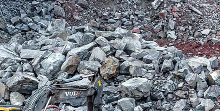 Работы велись среди нависающих глыб: за что ещё приостановили деятельность объекта в Искитиме