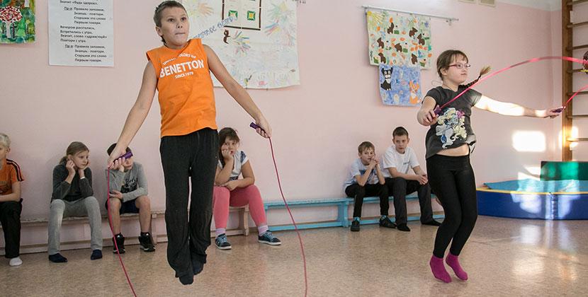 В Новосибирской области могут отменить дистанционные уроки физкультуры