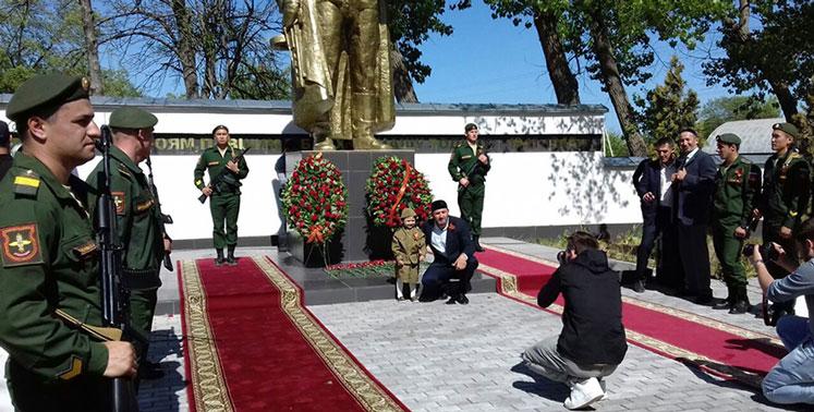 Чеченские волонтёры ищут в Новосибирской области родных солдат-фронтовиков, погибших под Грозным