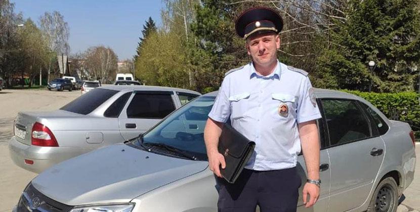 Полицейский из Новосибирска спас ребёнка от неадекватной матери
