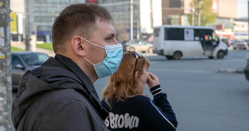 Анатолий Локоть: «Правовых оснований не допускать в транспорт людей без масок у нас нет»