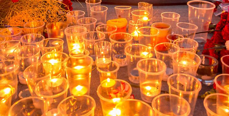 Специалисты МЧС напомнили новосибирцам о правилах безопасности во время акции «Свеча памяти»
